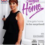 Mature.nl presents Beau Diamonds EU 49 – British beautiful mature housewife doing her toyboy – 19.10.2018