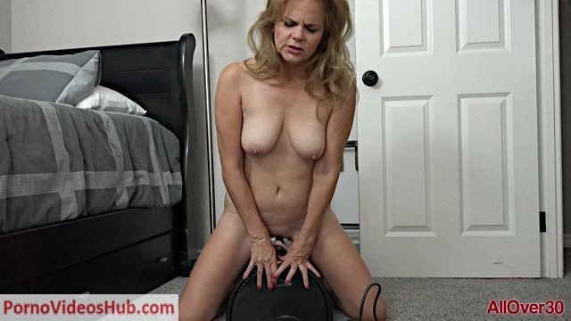 Watch Online Porn – Allover30 presents Micky Lynn 45 years old Ladies With Toys – 11.10.2018 (MP4, FullHD, 1920×1080)