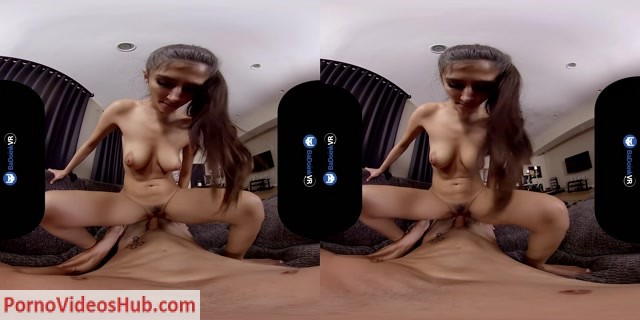 BaDoinkVR_presents_Gianna_Dior_in_Door_To_Dior.mp4.00015.jpg