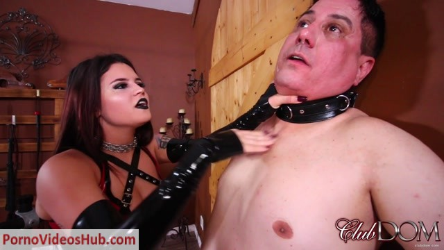 ClubDom_-_Slapped_by_Miss_Roper_For_Disobedience.mp4.00007.jpg