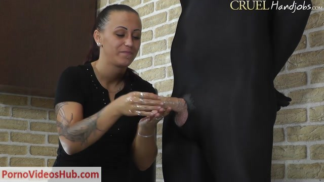 CruelHandjobs_presents_Mistress_Sophie_in_Lustful_handjob.mp4.00003.jpg