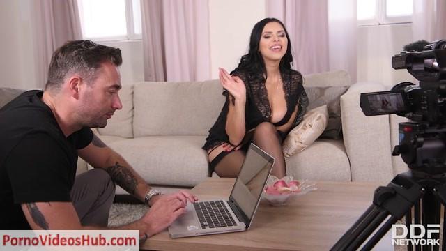 Watch Online Porn – DDFNetwork – HotLegsAndFeet presents Kira Queen in Lingerie, Nylons & High Heels _ Sexy Feet Desires – 23.10.2018 (MP4, HD, 1280×720)