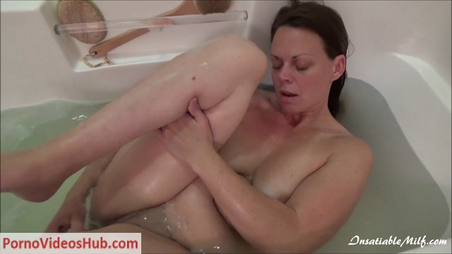 Watch Online Porn – Diane Andrews in Mommys Naughty Bath (MP4, HD, 1280×720)