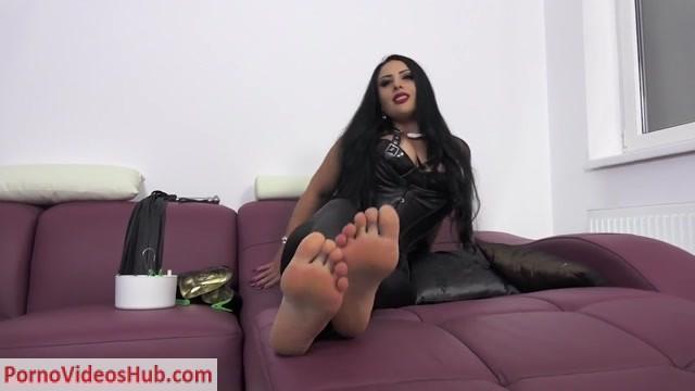 Watch Online Porn – Ezada Sinn – From Foot Bitch To Cock-Sucking Whore (MP4, HD, 1280×720)