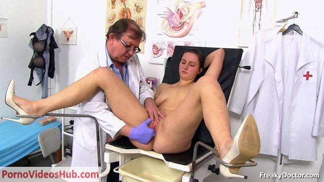 Watch Online Porn – FreakyDoctor presents Dina in 19 years girls gyno exam (WMV, HD, 1280×720)
