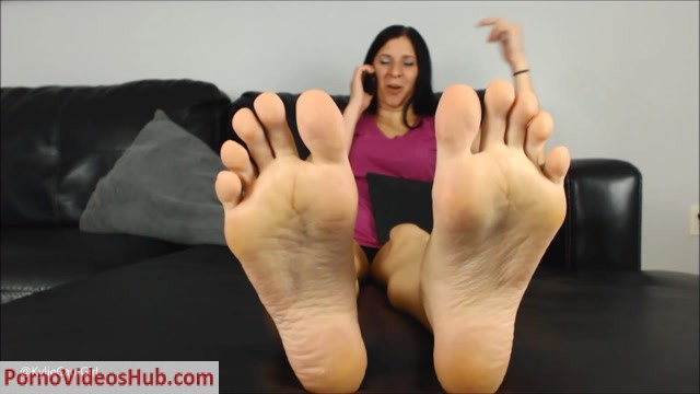 Goddess_Kylie_Jacobs_-_Lick_These_Soles_Clean.mp4.00012.jpg