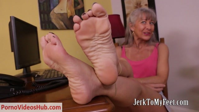 Watch Online Porn – Jerk To My Feet – Leilani Lei – This Is Your Job (MP4, FullHD, 1920×1080)