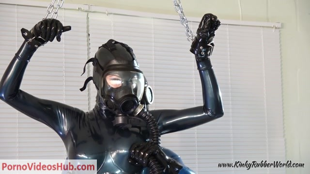 Latex_Porn_-_7626_-_Gasmasks_And_Rubber.mp4.00001.jpg