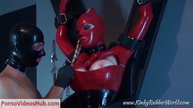 Latex_Porn_-_7708_-_Latex_Lucy_-_Fixated_On_The_Cross_And_Teased.mp4.00010.jpg