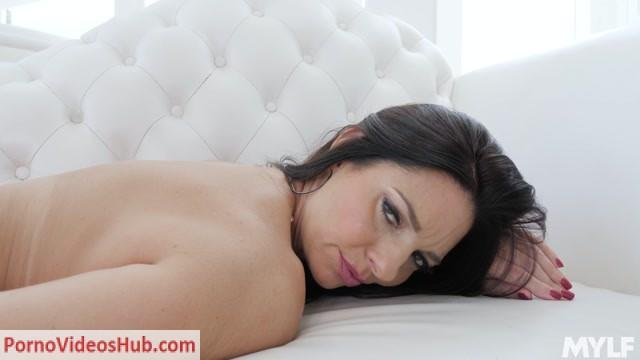 Watch Online Porn – MYLF presents Mindi Mink – Goddess MILF Masturbatation (MP4, FullHD, 1920×1080)