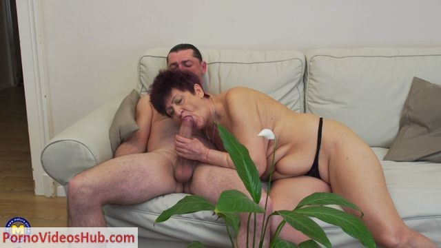 Watch Online Porn – Mature couple having sex and let you in on their bed adventures (MP4, FullHD, 1920×1080)