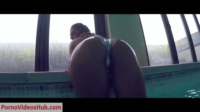 Watch Online Porn – Maycontaingirl presents Danielle Sellers in Adult Swim (MP4, FullHD, 1920×1080)