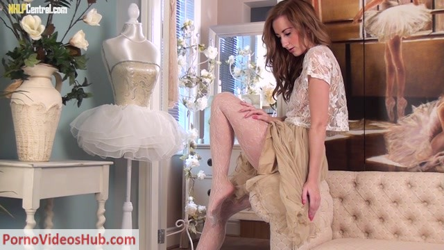 Watch Online Porn – NHLPCentral presents Sophia Smith in Lust for lace! (MP4, FullHD, 1920×1080)