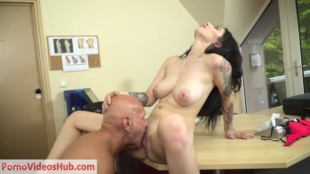 Watch Online Porn – Old & Young – Sheril Blossom (MP4, FullHD, 1920×1080)
