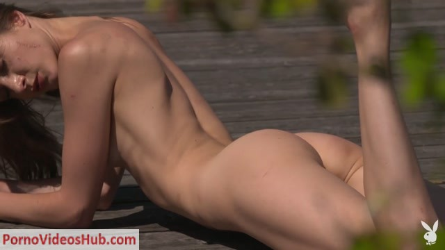 PlayboyPlus_presents_soothing_sunrays_vi_shy.mp4.00012.jpg