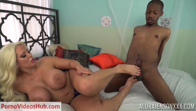 Watch Online Porn – PornstarPlatinum presents Alura Jenson in Foot Fetish Interracial – 18.10.2018 (MP4, SD, 720×406)