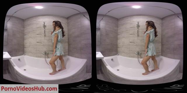 StasyQVR_presents_Fit_Babe_Stasy_s_Sexy_Shower_original_19_LR_180.mp4.00003.jpg