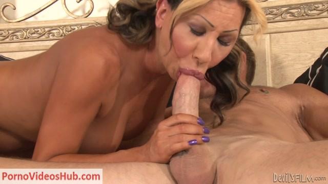 Watch Online Porn – Transsexual Babysitters 21 Scene 3 (MP4, HD, 1280×720)