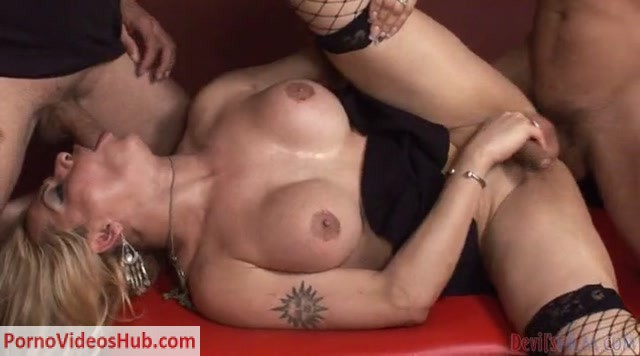 Transsexual_Babysitters_3_-_2.mp4.00009.jpg