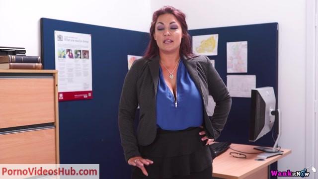 Watch Online Porn – WankItNow – Roxy R – Inspect Me (MP4, FullHD, 1920×1080)