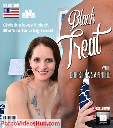 1_Mature.nl_presents_Christina_Sapphire__42__-_Christina_loves_it_black__Shes_in_for_a_big_treat_-_27.11.2018.jpg