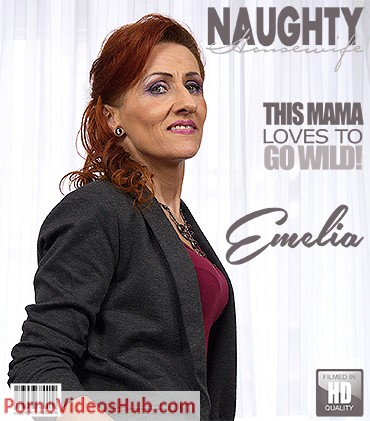 1_Mature.nl_presents_Emelia__52__-_This_mama_loves_to_go_wild_-_27.11.2018.jpg