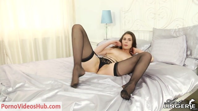 Watch Online Porn – [AL] 20170416 Ulysse aka Amelie Belain, Els Herman (MP4, FullHD, 1920×1080)