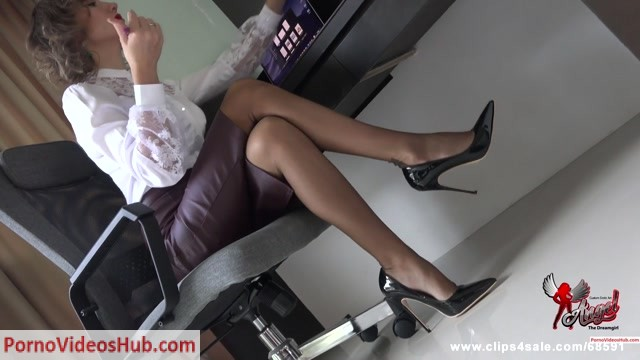 Angel_The_Dreamgirl_in_The_First_Seduction_II_-_02.11.2018__Premium_user_request_.mp4.00000.jpg