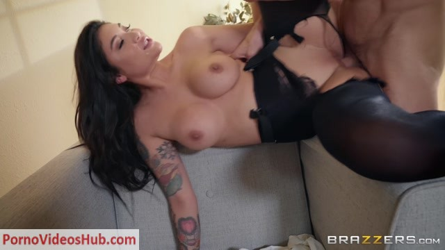 Brazzers_-_BigTitsAtWork_presents_Brenna_Sparks_in_Banging_My_Boss_s_Daughter_-_24.11.2018.mp4.00015.jpg