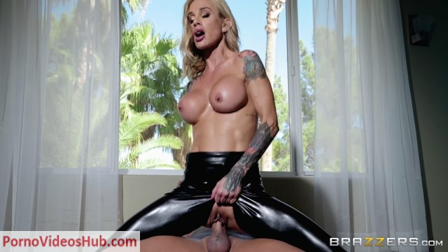 Brazzers_-_BrazzersExxtra_presents_Sarah_Jessie_in_Leather_Lust_-_25.11.2018.mp4.00007.jpg