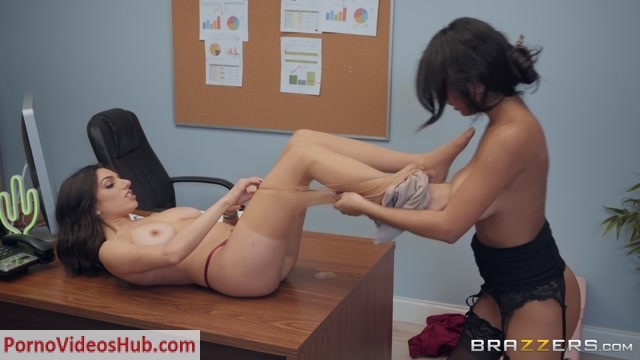 Watch Online Porn – Brazzers – HotAndMean presents Autumn Falls, Darcie Dolce in Suck My Stockings – 11.11.2018 (MP4, FullHD, 1920×1080)
