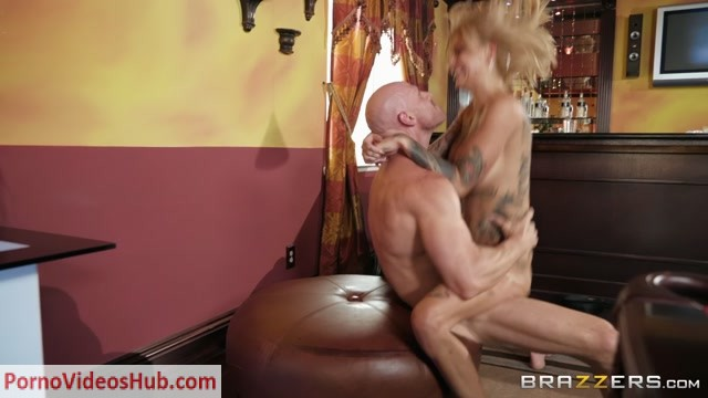 Brazzers_-_RealWifeStories_presents_Bonnie_Rotten_in_Rack_Em_Up__-_22.11.2018.mp4.00015.jpg