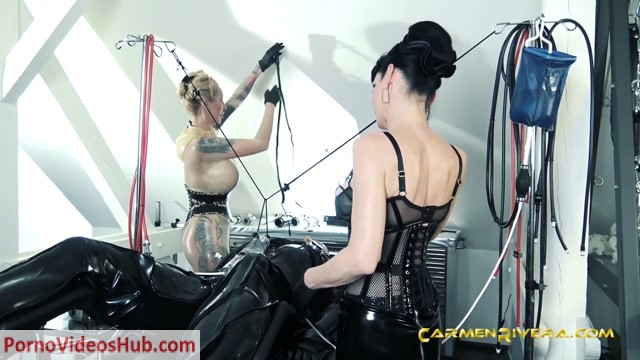 Watch Online Porn – CarmenRivera presents Carmen Rivera, Queen Jennifer Carter, Chris Schock Cock in Serious Kit Monday: Chapter Two – 16.11.2018 (MP4, HD, 1280×720)