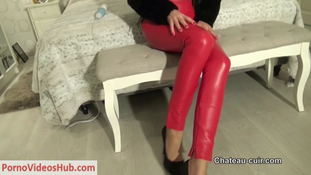Watch Online Porn – Chateau-Cuir – Tina cums in red leather pants (MP4, HD, 1280×720)