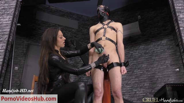 Watch Online Porn – CruelHandjobs presents Mistress Cleo in Huge squirting (MP4, FullHD, 1920×1080)