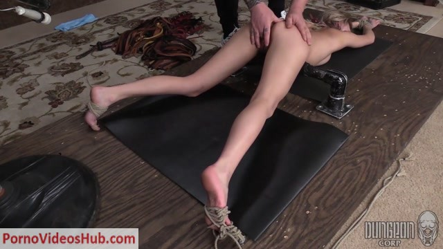 DungeonCorp_presents_Chloe_Temple_-_Adorable_And_Fucking_Hot_-__3.mp4.00014.jpg