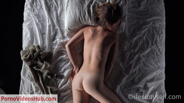 Watch Online Porn – IFeelMySelf presents 17.10.2018 Ifeelmyself decrescendo 2 by Lou_E (MP4, FullHD, 1920×1080)