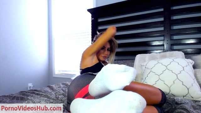 Watch Online Porn – Kerri King – Your Fit Sugar Baby Offers You Her Socked Feet (MP4, HD, 1280×720)