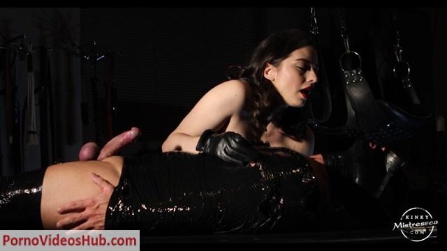 Kinky_Mistresses_-_Bella_Lugosi_-_Punished_In_Clingfilm.mp4.00001.jpg