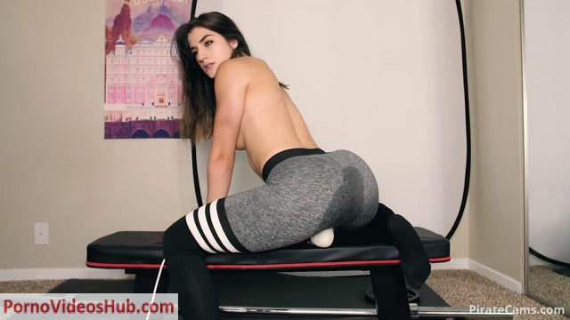 ManyVids_Webcams_Video_presents_Girl_MiaRand_-_At_home_Workout.mp4.00006.jpg