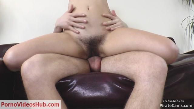 Watch Online Porn – ManyVids Webcams Video presents Girl OopsModels – Nika in love (MP4, FullHD, 1920×1080)