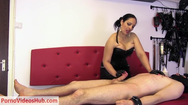 Watch Online Porn – Mistress Ezada Sinn in The sharp tips of pain and arousal (MP4, HD, 1280×720)