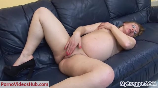 Watch Online Porn – MyPreggo presents Pregnant porn – Suzy-01 (MP4, SD, 720×404)