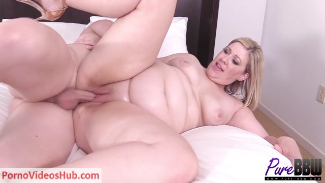 Pure-BBW_presents_Sophie_Gray_-_Oily_hotel_fun_with_Sophie_Gray.mp4.00015.jpg