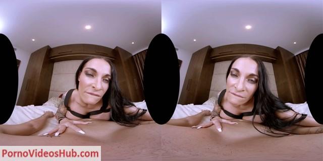 Realitylovers_presents_Sandra_Sturm_in_German_Milf_with_Huge_Boobs_-_28.11.2018.mp4.00005.jpg