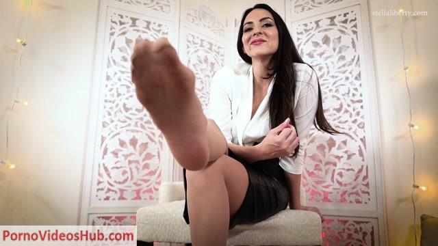 Watch Online Porn – Stella Liberty in Nylon Foot Cuckold (MP4, FullHD, 1920×1080)