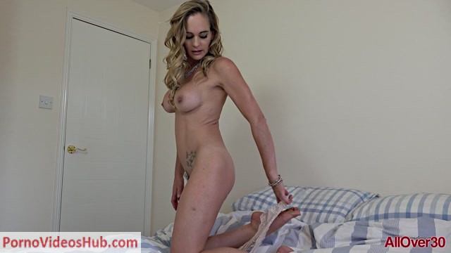 Watch Online Porn – Allover30 presents Elegant Eve 43 years old Mature Pleasure – 18.12.2018 (MP4, FullHD, 1920×1080)