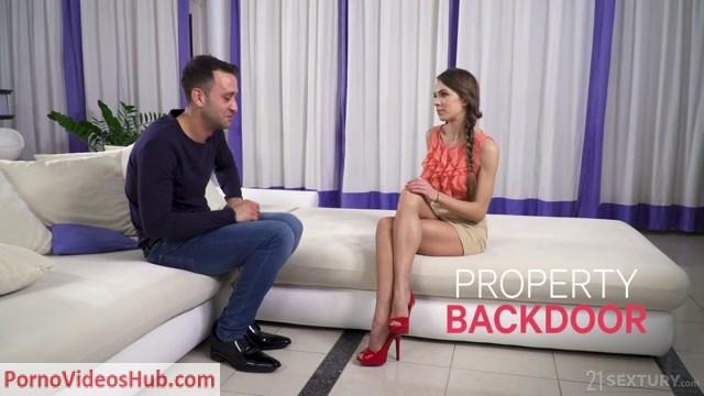 Watch Online Porn – AnalTeenAngels presents Veronica Clark – Property Backdoor – 25.12.2018 (MP4, HD, 1280×720)