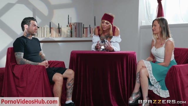 Watch Online Porn – Brazzers – BrazzersExxtra presents Bonnie Rotten in I See Sex In Your Future – 12.12.2018 (MP4, FullHD, 1920×1080)