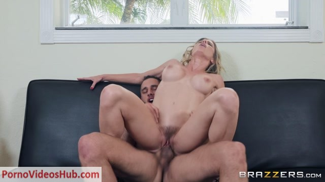 Watch Online Porn – Brazzers – MilfsLikeItBig presents Cory Chase in Hot & Sweaty Day – 04.12.2018 (MP4, FullHD, 1920×1080)